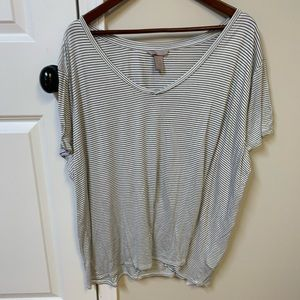 Plus size black and white striped tshirt tee